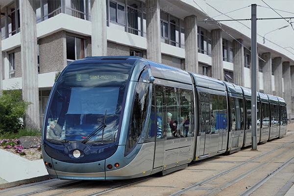 renaissancecentre_2.tram