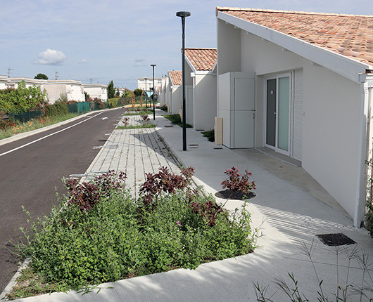 Village senior Jean D'Ormesson